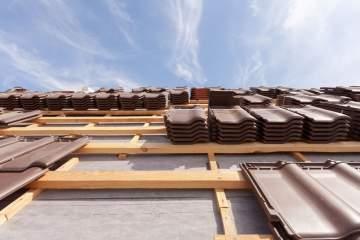 Artisan en remplacement de couverture de toit à Toulouse