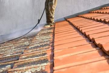 Protection de couverture de toit par un professionnel à Toulouse